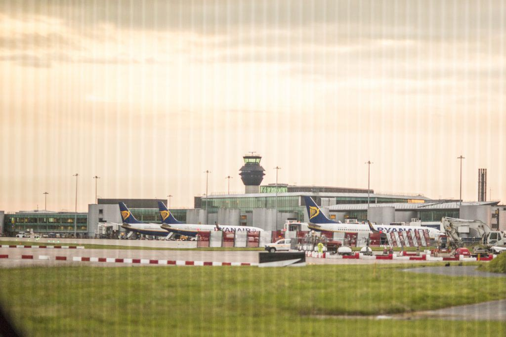 manchester, airport terminal , m90